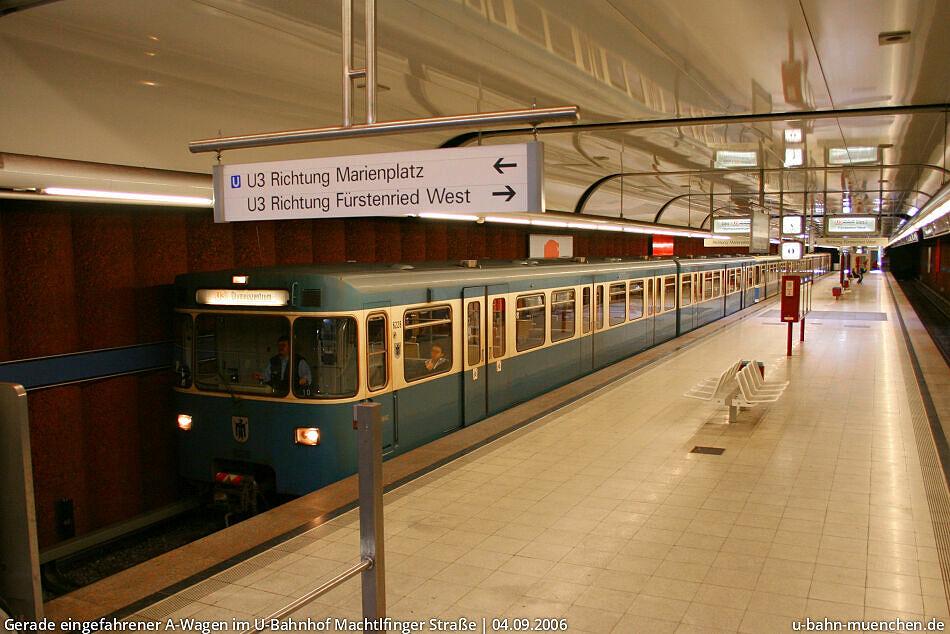 U-Bahnhof Machtlfinger Straße (U3) - U-Bahn München