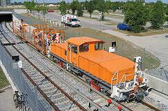 Akkulok 8952 mit Profilmesswagen Tunneleinfahrt Garching Hochbrück