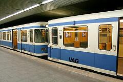 A-Wagen 108 in Nürnberg zusammen mit Wagen 126