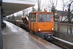 SKL 8933 mit Waschzug am Kieferngarten