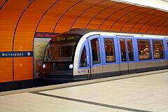 C-Zug 604 am Marienplatz