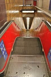 Fraunhoferstraße: zu tauschende Fahrtreppe