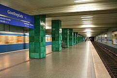 U-Bahnhof Goetheplatz mit ausfahrendem A-Wagen