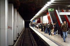 Einfahrt in den U-Bahnhof Hauptbahnhof