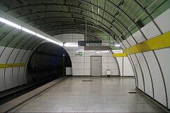 Leitsystem Odeonsplatz - Wegweiser Ausgang Brienner Straße