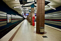 U-Bahnhof Milbertshofen mit wartendem C-Zug