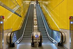 Neuer Aufgang unter der Sonnenstraße im U-Bahnhof Sendlinger Tor
