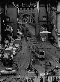 Trambahnen am Karlstor 1958