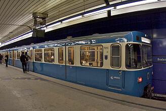 A-Wagen 093 an der Brudermühlstraße