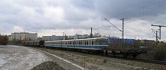 Wagen 103 und 104 auf der Rückkehr von Nürnberg vor der Einfahrt Laim Rangierbahnhof
