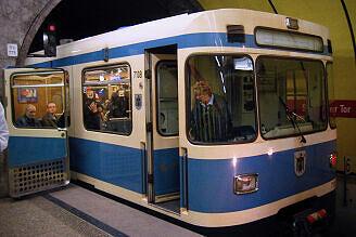A-Wagen 108 ist am Sendlinger Tor liegengeblieben