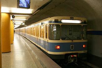 A-Wagen 112 an der Poccistraße