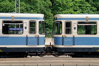 Überführung dreier U-Bahn-Wagen 2003 - Aufenthalt zum Wasserfassen in Eichstätt Bahnhof, hier A-Wagen 123 mit 121