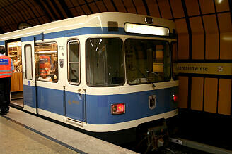 A-Wagen 136 im U-Bahnhof Theresienwiese