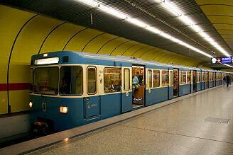 A-Wagen 201 am Sendlinger Tor