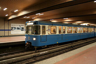 A-Wagen 211 an der Implerstraße