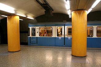 A-Wagen 310 an der Poccistraße