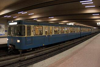 A-Wagen 316 an der Implerstraße