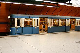 A-Wagen 345 am Marienplatz