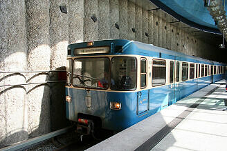 A-Wagen 358 am St.-Quirin-Platz