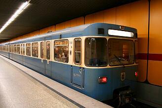 A-Wagen 368 am Kolumbusplatz