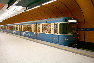 A-Wagen 370 am Marienplatz