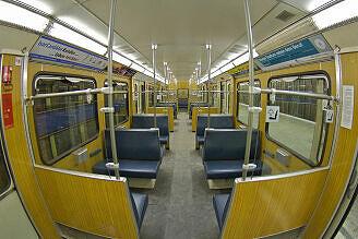 Innenraum eines Zugs vom Typ A