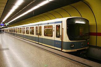 B-Wagen 496 am Sendlinger Tor