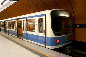 B-Wagen 528 am Marienplatz