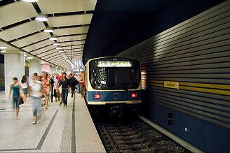 B-Wagen 552 am Arabellapark