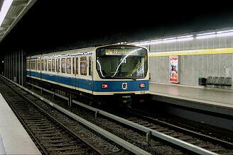 B-Wagen 562 an der Richard-Strauss-Straße