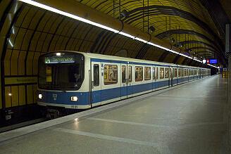 B-Wagen 565 an der Theresienwiese
