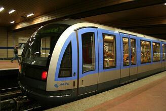 C-Zug 608 an der Implerstraße