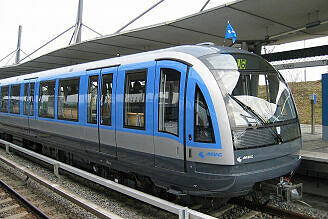 C-Zug 610 in Garching-Hochbrück