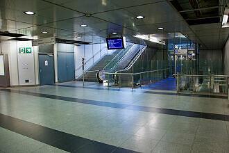 Sperrengeschoss im U-Bahnhof Feldmoching