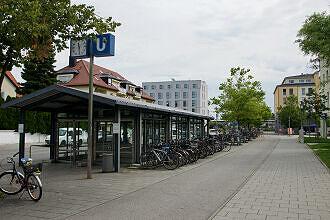 Zugang zum U-Bahnhof Feldmoching
