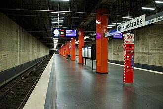U-Bahnhof Giselastraße ohne Wand- und Deckenverkleidung