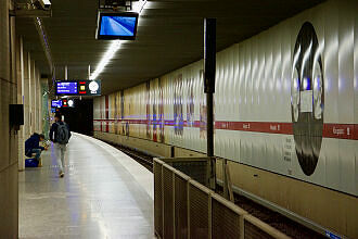 U-Bahnhof Königsplatz, Gleis 1