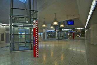 Sperrengeschoss zur S-Bahn am U-Bahnhof Moosach