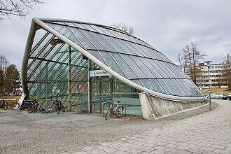 Zugang zum U-Bahnhof St.-Quirin-Platz
