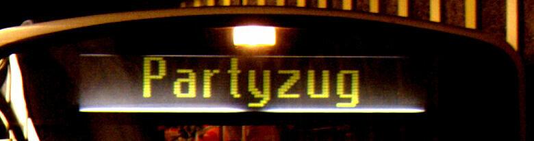 """Zugzielanzeiger mit Ziel """"Partyzug"""""""