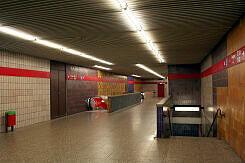 südwestliches Sperrengeschoss im U-Bahnhof Fraunhoferstraße