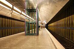 Lift im U-Bahnhof Fürstenried West