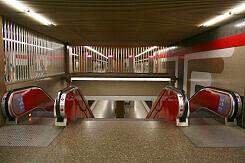 Abgang zum Bahnsteig des U-Bahnhofs Giesing (Bahnhof)
