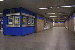 Nördliches Sperrengeschoss im U-Bahnhof Goetheplatz