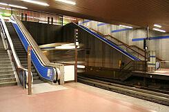 Einfahrender A-Wagen im U-Bahnhof Implerstraße