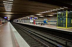 U-Bahnhof Implerstraße Bahnsteig Gleis 1 und 3