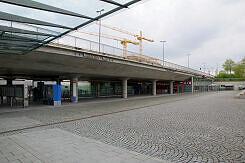 U-Bahnhof Messestadt West vom Messezugang aus gesehen