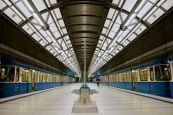 Endende und beginnende U2 im U-Bahnhof Messestadt Ost
