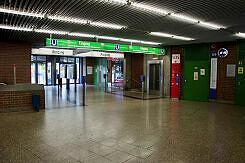 Oberirdisches Sperrengeschoss im U-Bahnhof Partnachplatz